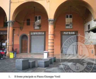 Bologna (BO) P.zza Giuseppe Verdi n. 4/D - negozio e cantina
