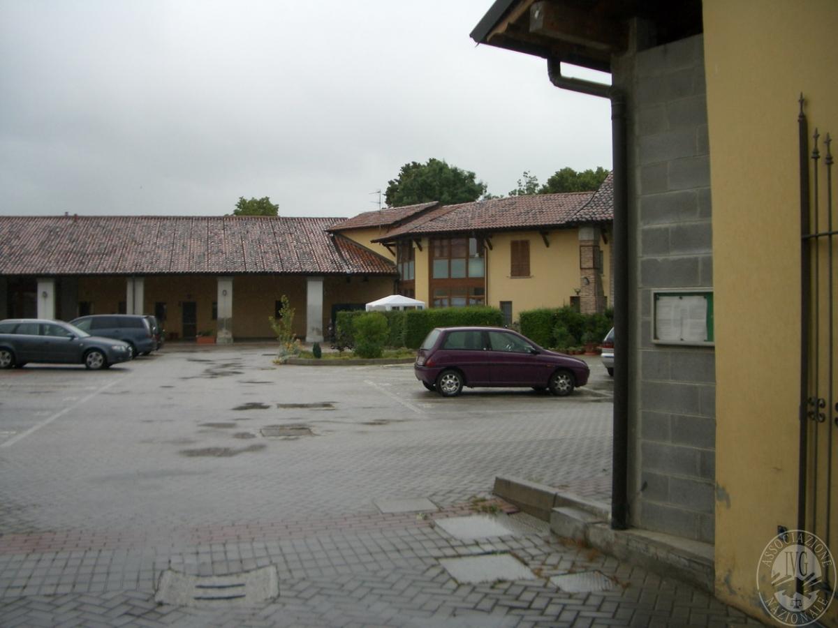 Appartamento su due piani sito in palazzo pignano via roma for Palazzo a due piani