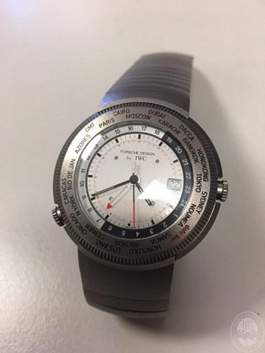 orologio cassa e bracciale titanio marcato porsche design 39 iwc 39 movimento quarzo. Black Bedroom Furniture Sets. Home Design Ideas