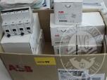 Immagine di Lotto di n.11 differenziali magnetotermici 9804PV-9125 ABB   termostato ambiente Siemens SEH 62.1