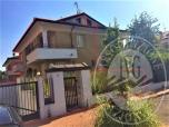 Immagine di Lotto 15_ appartamento mq 171,00 con soffitta, cantina, autorimessa, loggia balcone e giardino, sito in Via Bazzzani, Borgo Virgilio (MN).