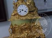 Fall. Zodo Alessandro n. 118/2017 - Orologio da tavolo in bronzo dorato h. 44 (manca pendolo)