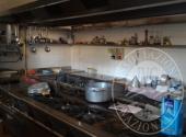 Fall. Ristorante 3 Pini Sas n. 579/2016 - Arredi e attrezzature per ristorazione: cucina attrezzata in acciaio con frigoriferi ed elettrodomestici, forno per pizzeria Ambrogi, celle frigo, tavoli sedie ed altri complementi