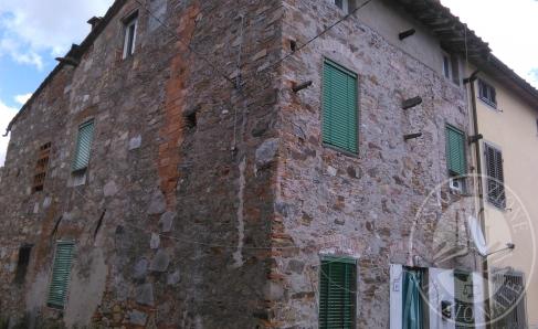 ES 395/2013 CUSTODIA: CIVILE ABITAZIONE POSTA NEL COMUNE DI CAPANNORI (LU), FRAZIONE DI TASSIGNANO, VIO CARLO PIAGGIA, 90.